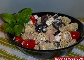 Pasta Salad with Feta and Tuna - By happystove.com