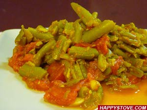 Green Beans in Spicy Tomato Sauce - By happystove.com