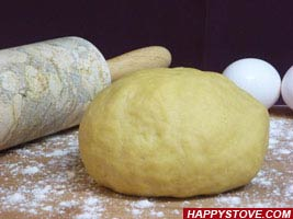 How to make Homemade Pasta Dough - by HappyStove.com