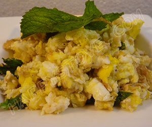 Scrambled Eggs with Mint - By happystove.com