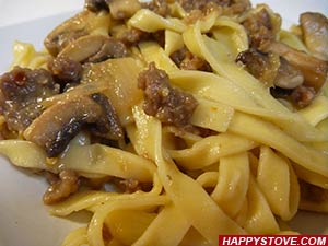 Fettuccine Pasta with Sausages and Mushrooms
