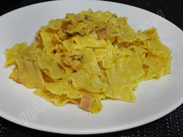 Freshly Homemade Pasta with Italian Pancetta and Saffron Sauce - By happystove.com