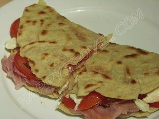 How to make Italian Piadina Flatbread - By happystove.com